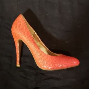 Textured Coral Pumps